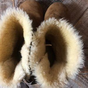 UGG Shoes - UGG Bailey Bow II Boot. Size 10.
